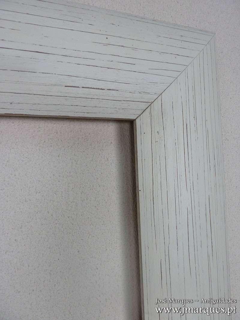 Moldura em madeira