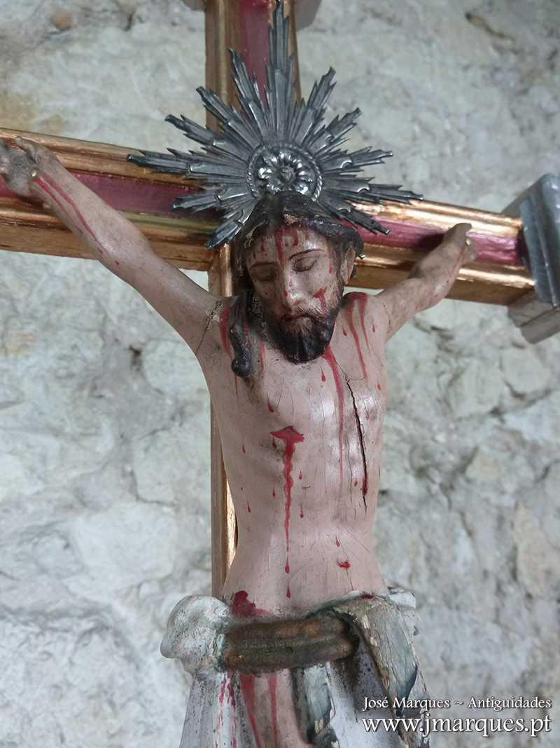 Cristo antigo em madeira