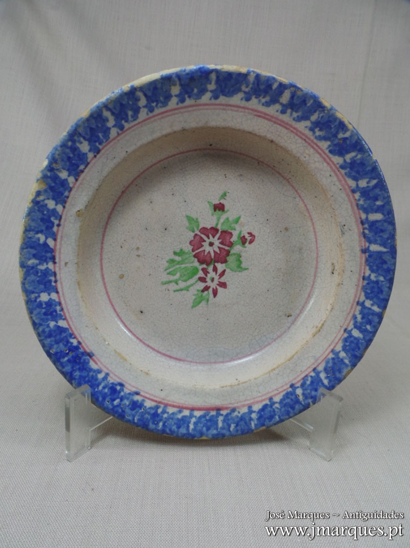 Prato em faiança Portuguesa