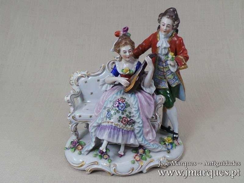 Escultura antiga porcelana