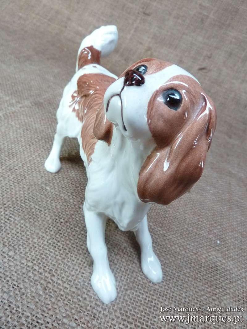 Escultura Inglesa Cão