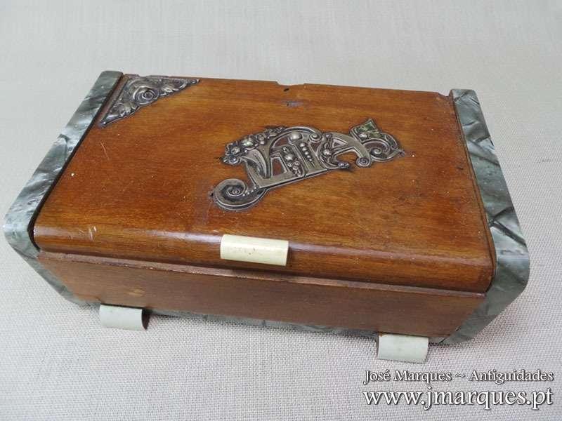 Caixa guarda-jóias prata