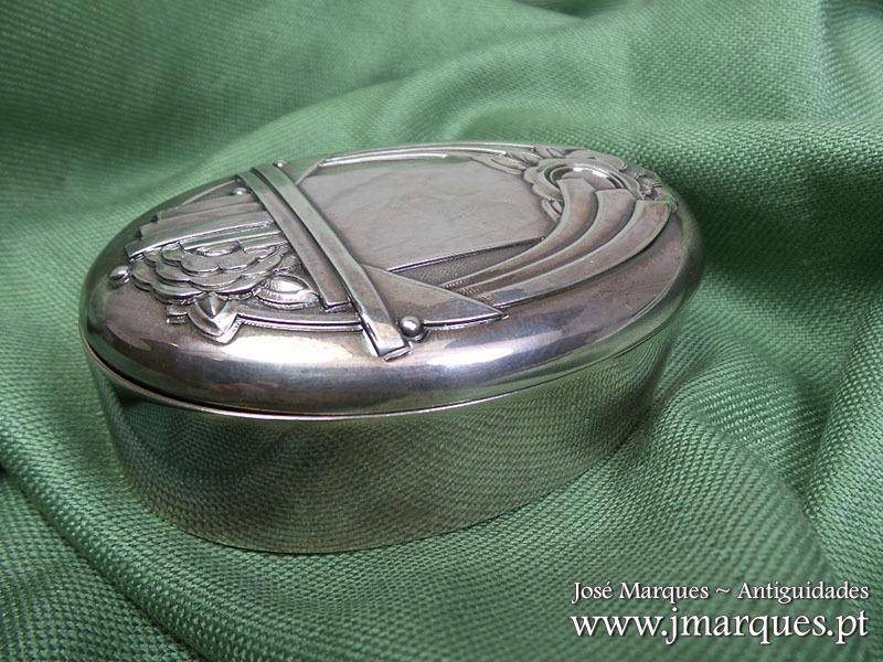 Caixa prata Arte Nova