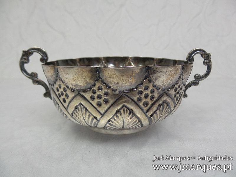Tambuladeira prata Javali