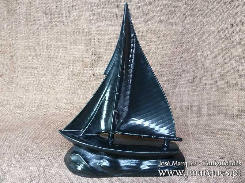Escultura barco Sacavém